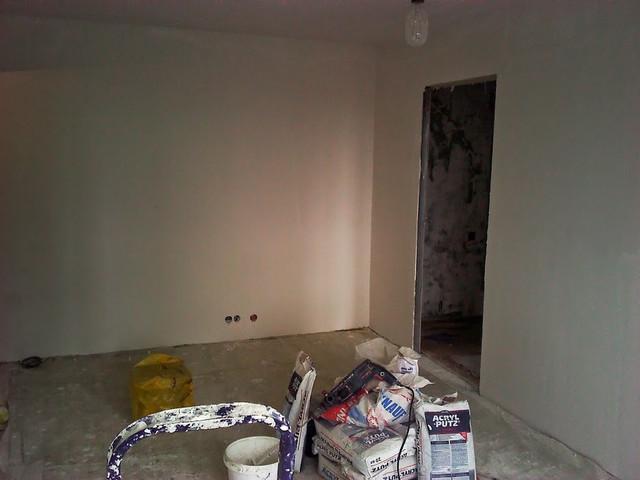Шпаклевка стен перед поклейкой обоев