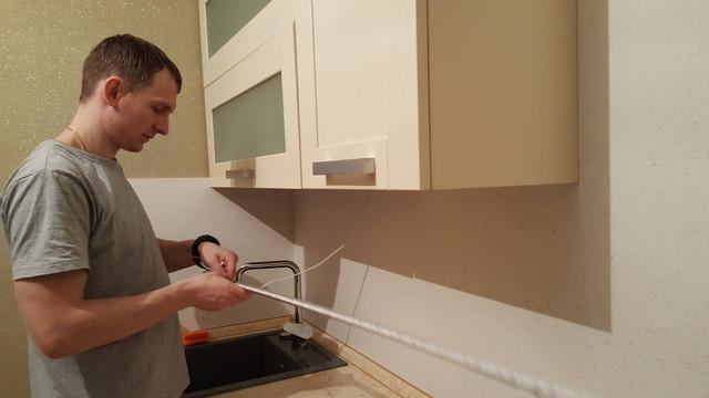 установка led подсветки рабочей зоны кухни