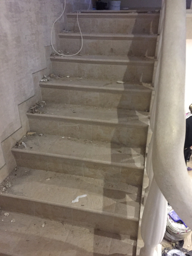Уборка лестниц после ремонта